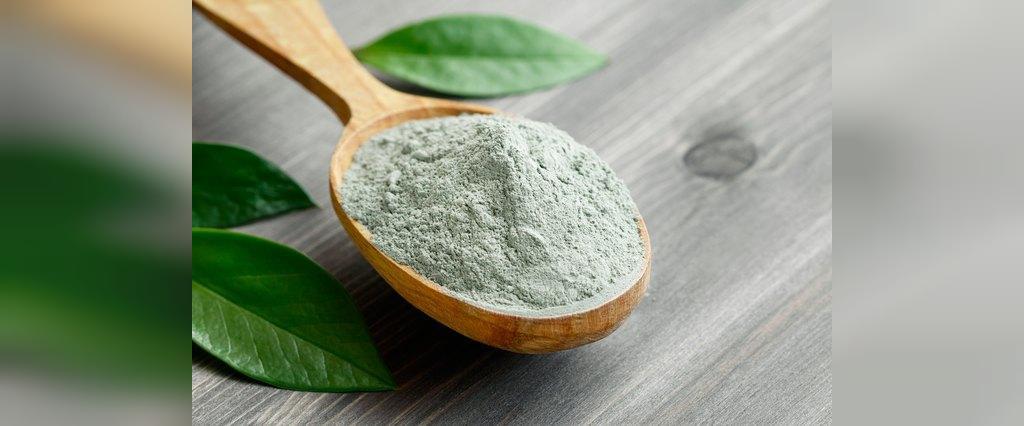 خاک رس سبز برای درمان سلولیت (تجمع چربی زیر پوست)