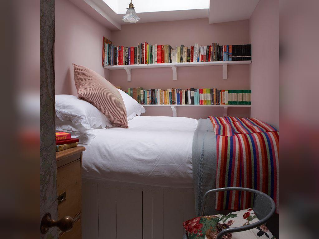 ایده های ناب با ترکیب رنگ خاکستری صورتی برای اتاق خواب