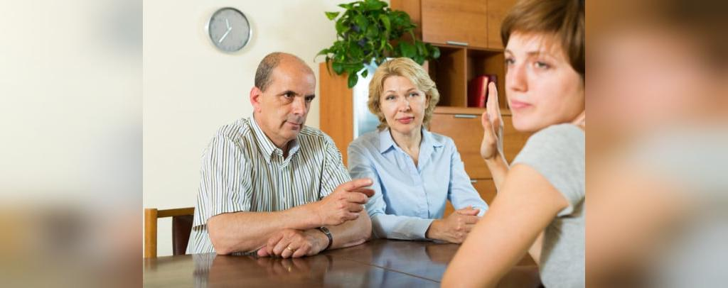 4 راه حل برای مواقعی که والدینتان با ازدواج شما موافق نیستند