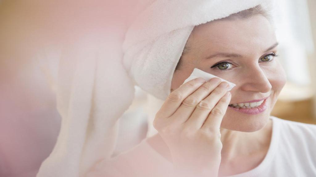 طرزتهیه ماسک های خانگی و طبیعی برای پاک کردن آرایش