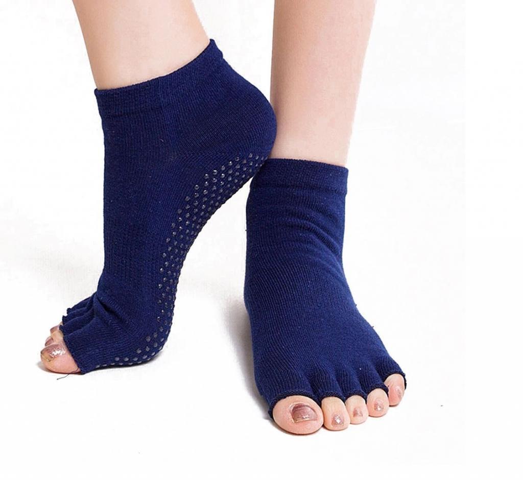 جوراب بافتنی زنانه انگشتی