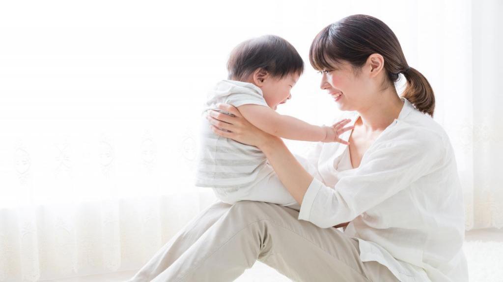 معجزه افزایش شیر مادر؛ راه های طبیعی برای افزایش شیر مادر