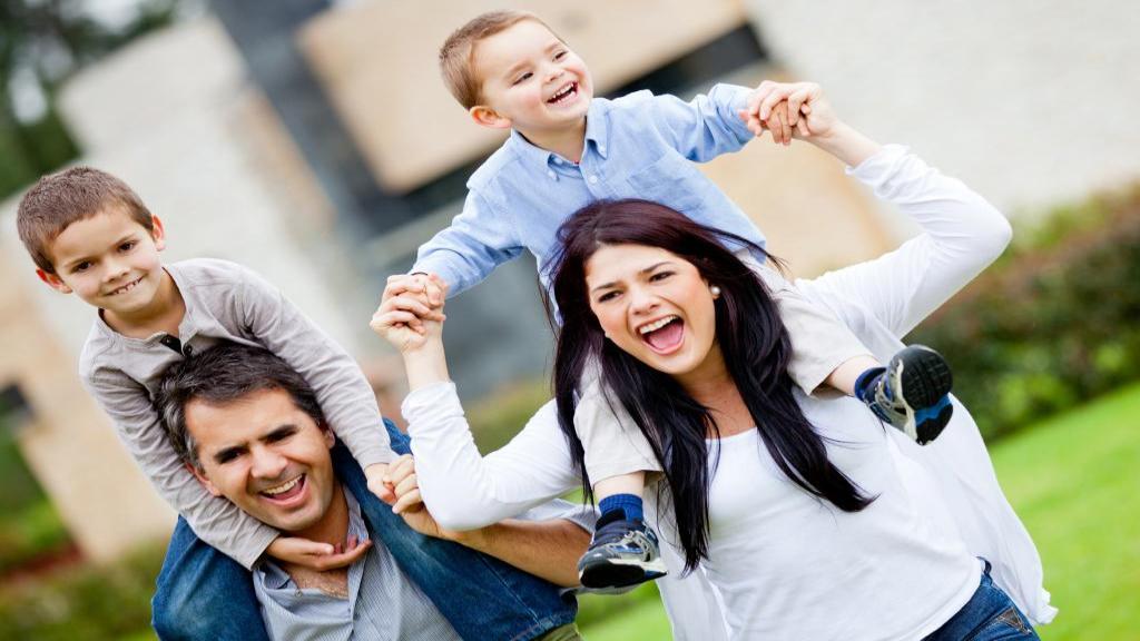 راز خانواده شاد: 10 راز برای داشتن یک خانواده شاد و صمیمی