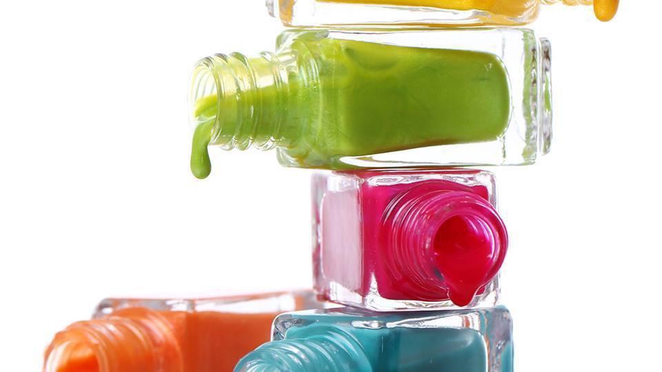 روش ساده رقیق کردن لاک ناخن غلیظ یا خشک شده
