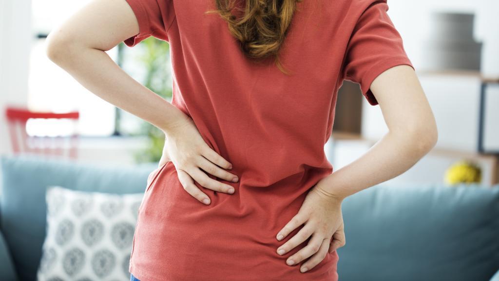 کمر درد پریود: علل، علائم، تشخیص و درمان خانگی و پزشکی کمر درد قاعدگی