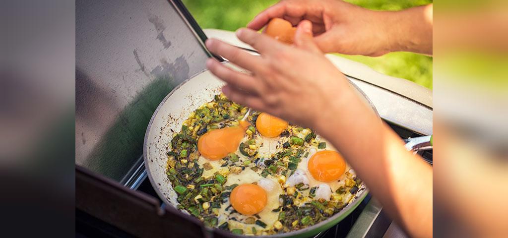 آموزش تهیه ماسالای تخم مرغ سرخ شده هندی برای کودکان