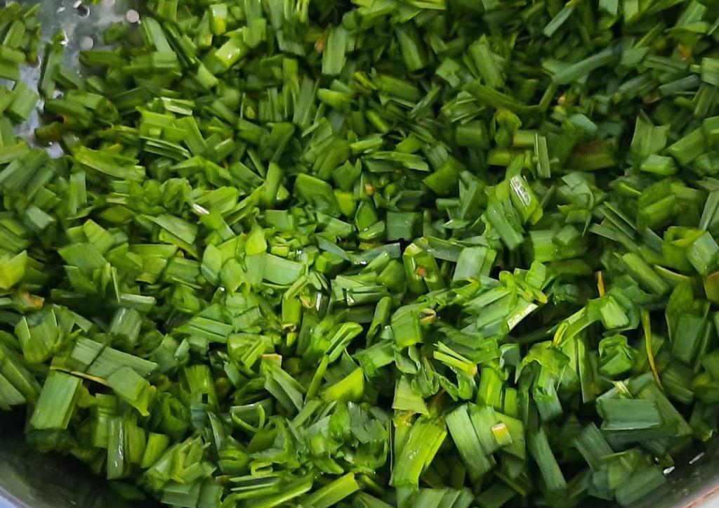 طرز تهیه سیر قلیه گیلانی با مرغ