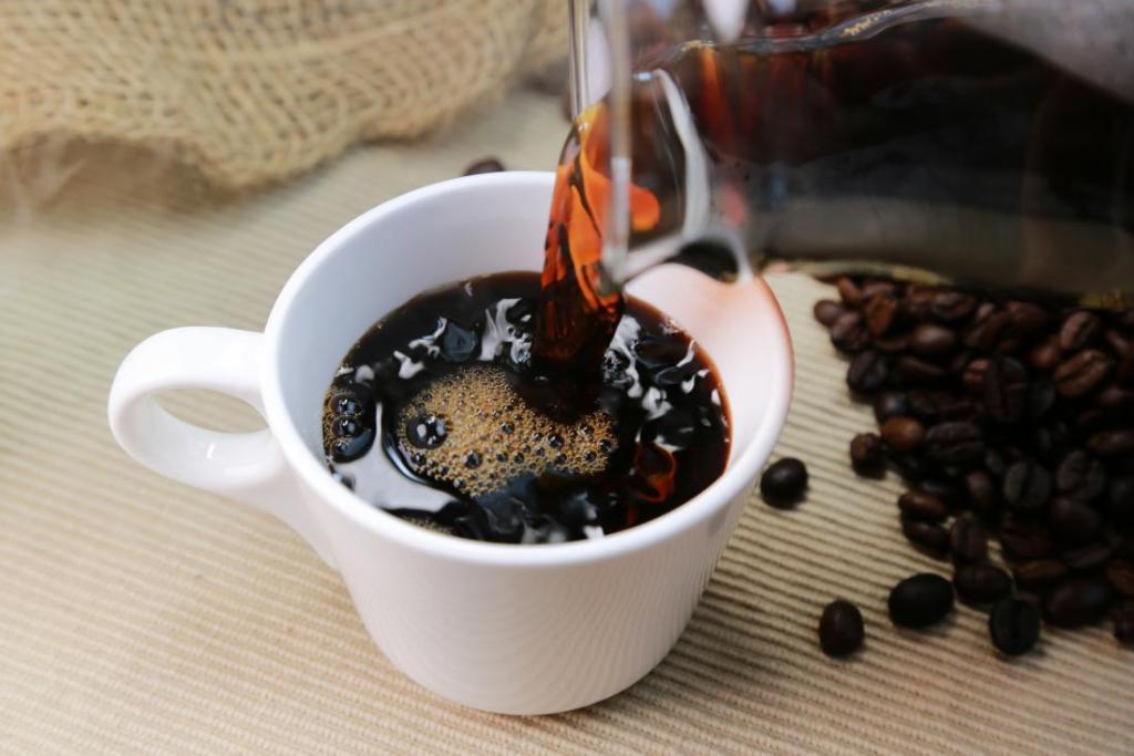 کاهش کافئین از راه های درمان فشار خون بالا