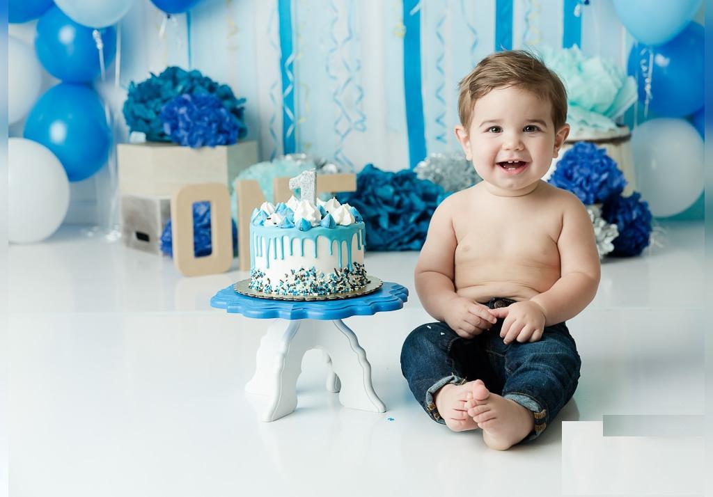 ژست عکس تولد پسرانه شیک