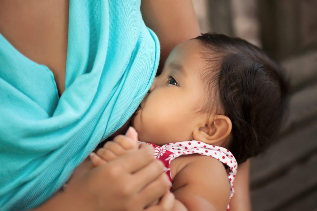 راهکارهای جلوگیری از خارش سینه در دوران شیردهی