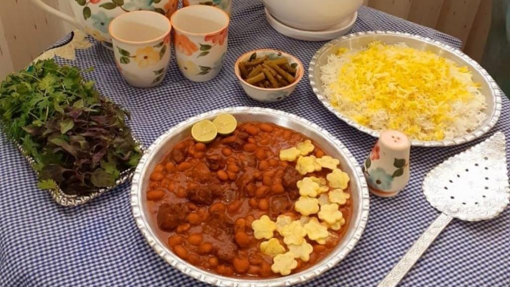 طرز تهیه خورشت لوبیا چیتی ارومیه ای خوشمزه و مجلسی با گوشت