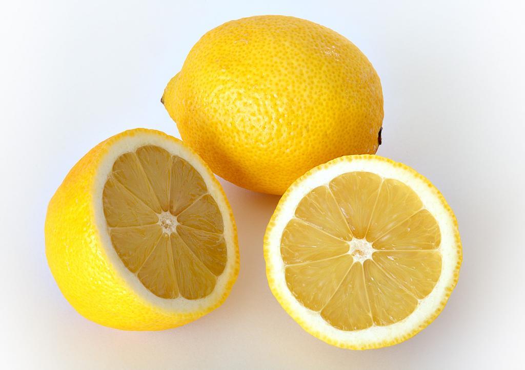 لیمو برای درمان تیرگی پوست در دوران بارداری