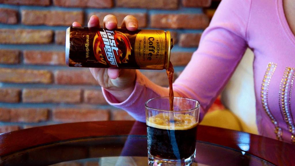 مضرات نوشیدنی های انرژی زا بر روی نوجوانان