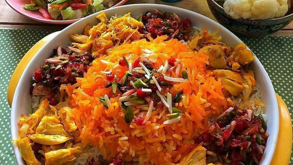 طرز تهیه هویج پلو مجلسی و خوشمزه رستورانی با مرغ و گوشت