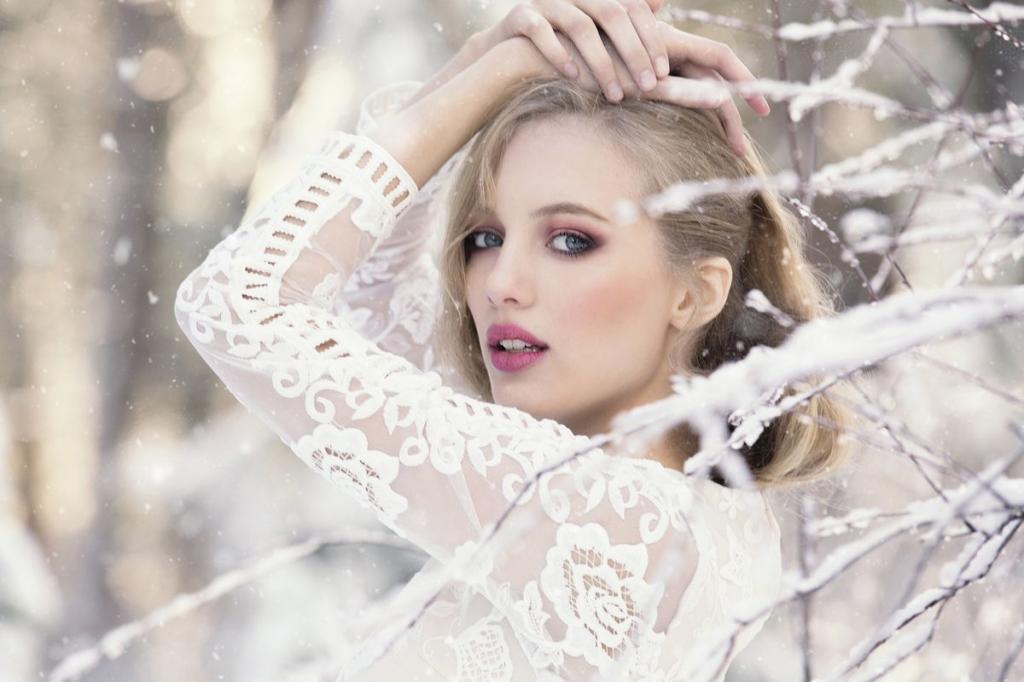 ژست عکس زمستانی دخترانه اینستاگرام