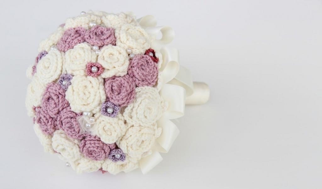 دسته گل عروس بافتنی