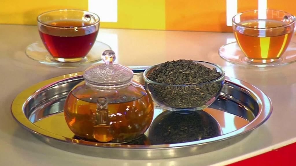 دمنوش های مفید؛ فواید شگفت انگیز نوشیدن چای سیاه، سبز، چای لیمو و بابونه