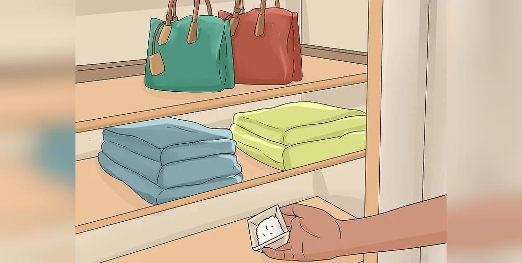 استفاده از جوش شیرین برای رفع بوی رطوبت کمد لباس