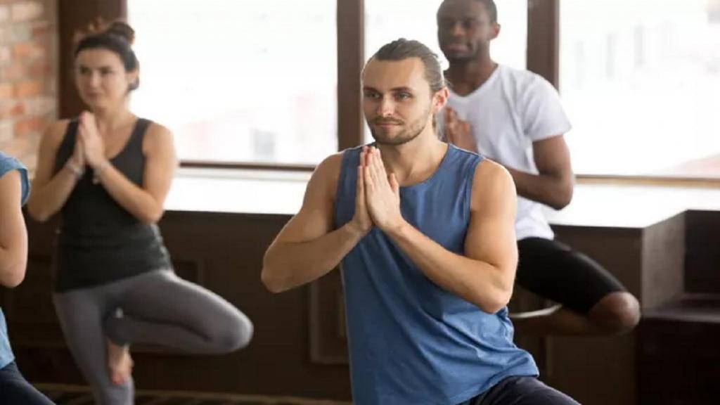 حرکات تعادلی یوگا ؛ 11 پوزیشن یوگا برای بهبود تعادل + تصویر