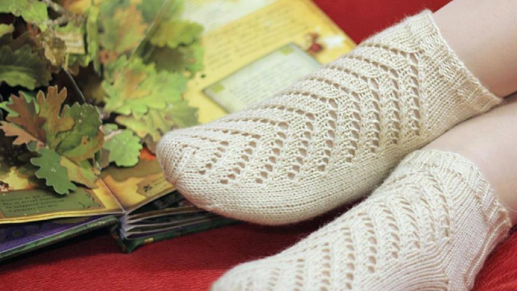 آموزش جوراب بافتنی با دو میل و قلاب