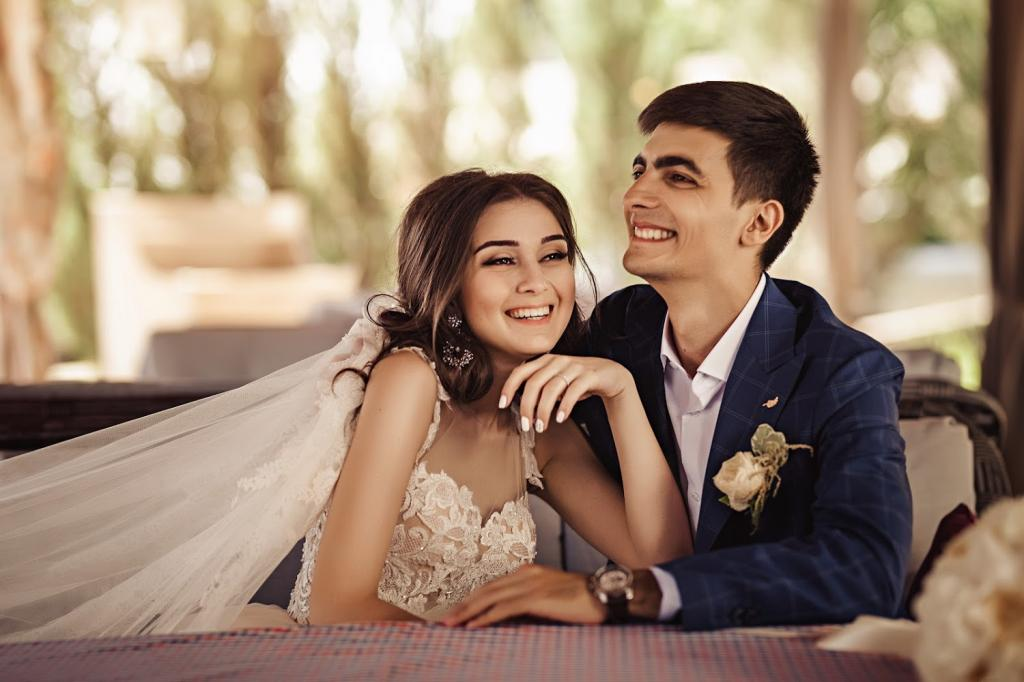 عکس شیطنت عاشقانه عروس و داماد