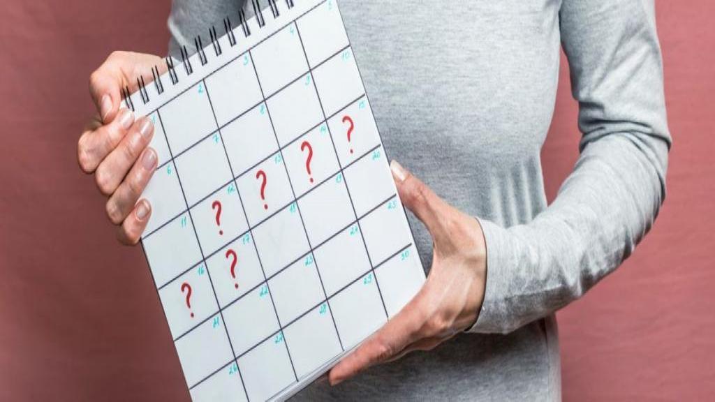دوره قاعدگی نامنظم؛ دلایل اصلی تأخیر در پریود + تأثیر استرس بر قاعدگی