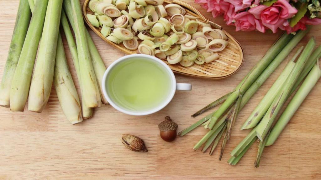 خواص علف لیمو برای سلامتی و پوست، مضرات و روش مصرف