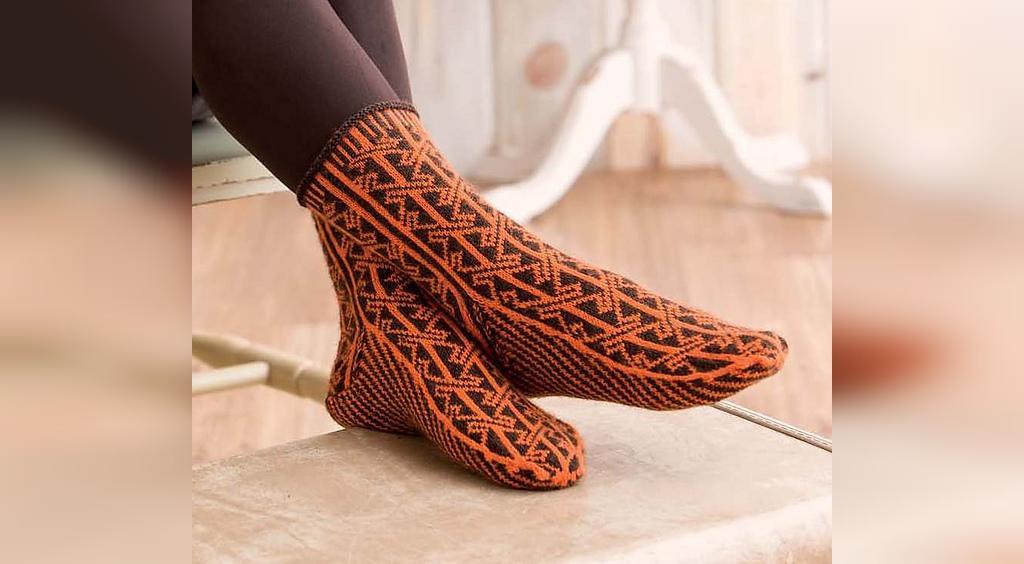 جوراب بافتنی زنانه دو رنگ