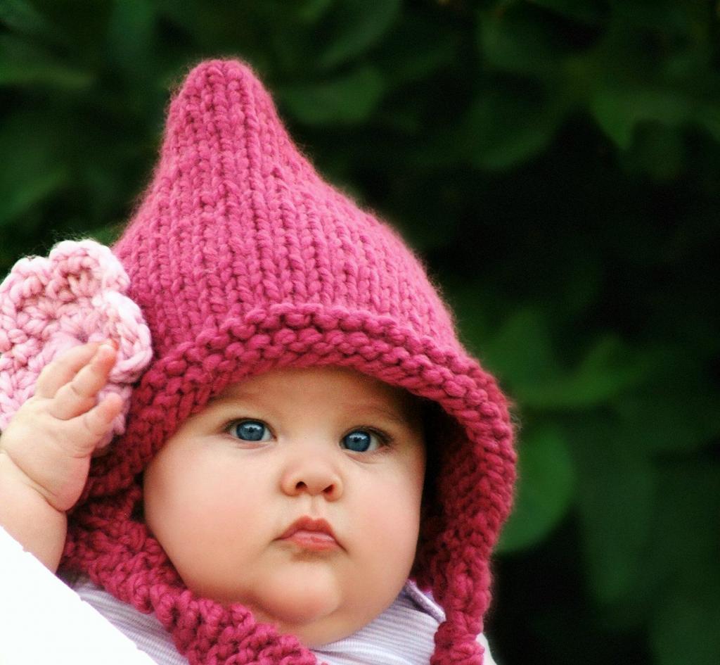 مدل کلاه بافتنی بند دار نوزادی