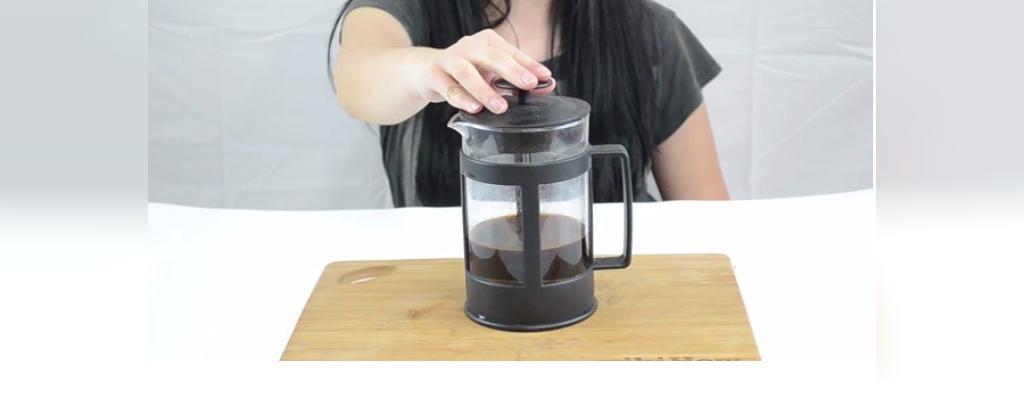 روش استفاده از فرنچ پرس در تهیه قهوه