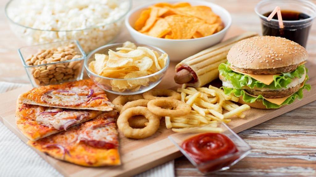 6 روش برای بهتر غذا خوردن در رستوران های فست فود