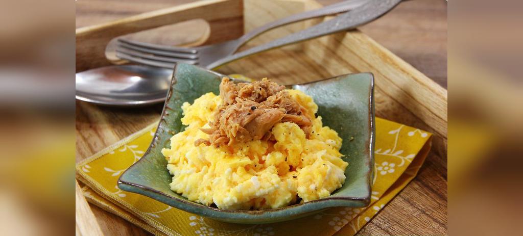 طرز نهیه غذا ساده با تن ماهی و تخم مرغ