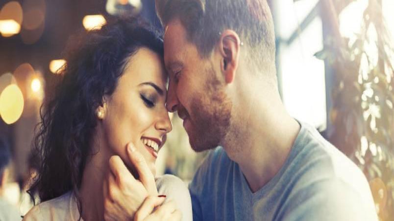 چند بار رابطه جنسی در هفته مناسب است؛ و زوج های عادی هر چند وقت یک بار رابطه جنسی برقرار می کنند