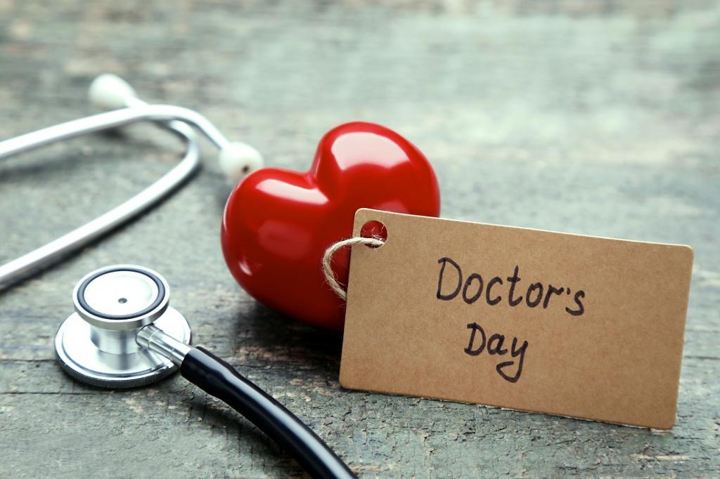متن تبریک روز پزشک به انگلیسی با ترجمه فارسی