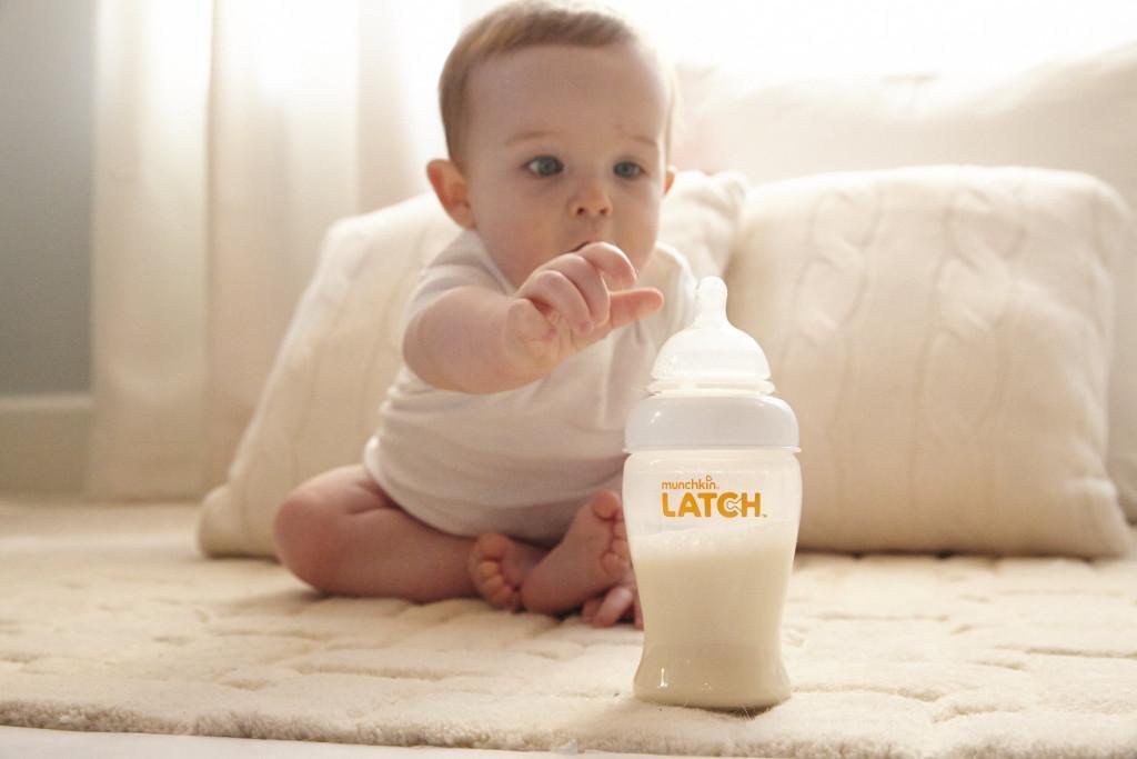 عواملی که باعث سبز رنگ شدن مدفوع نوزادان می شود