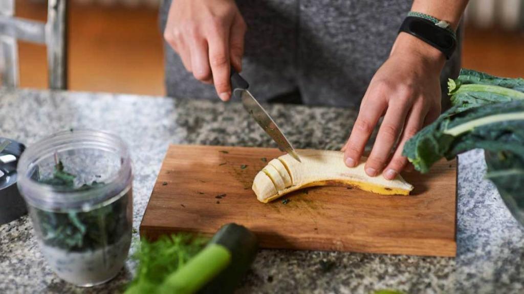 11 مزیت موز برای سلامتی بر پایه شواهد علمی؛ بهبود حساسیت به انسولین با خوردن موز نارس
