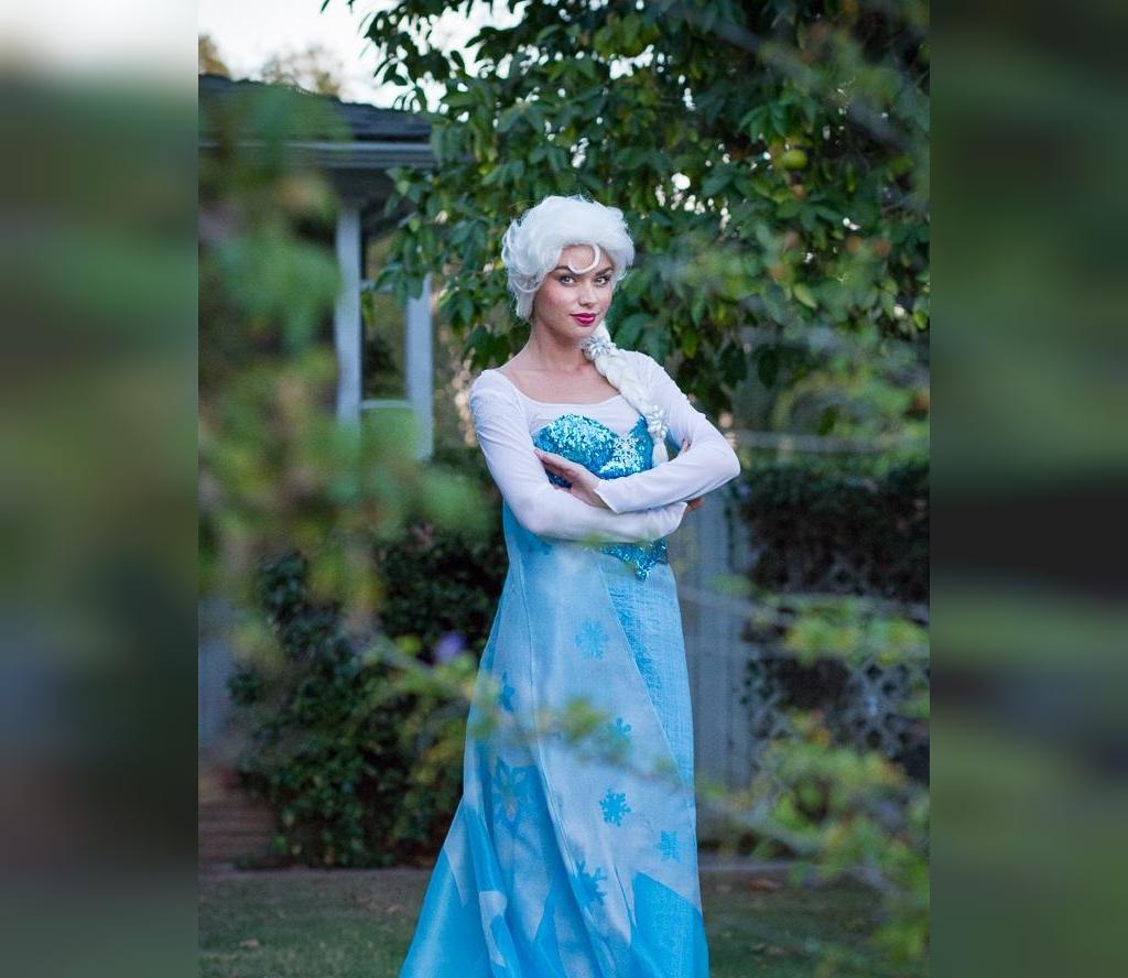 لباس السا برای تم تولد دخترانه