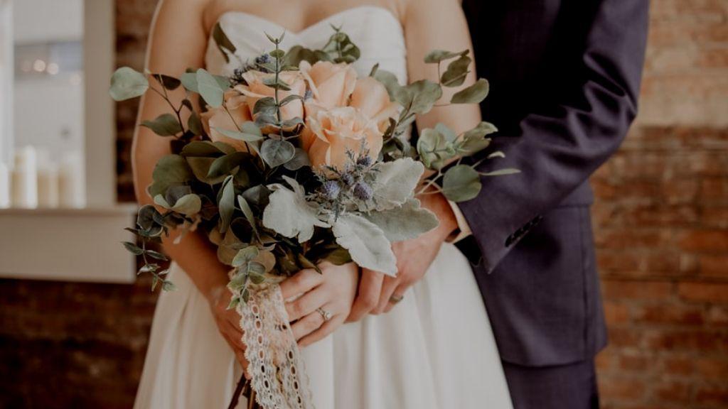 متن تبریک سالگرد ازدواج به همسر و اقوام؛ جملات زیبا و احساسی