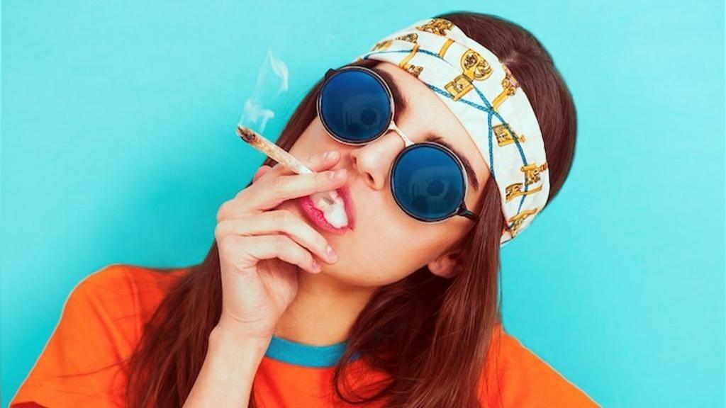 چرا ماریجوانا (گل) در بین جوانان بسیار محبوب شده است؟