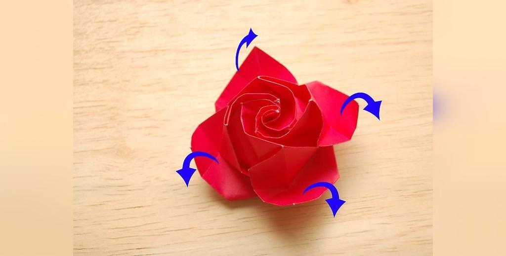 آموزش ساخت گل رز با کاغذ رنگی