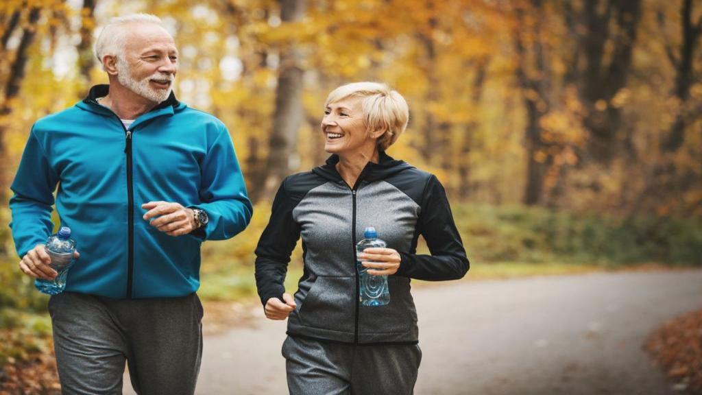 بهترین ورزش برای افراد 60 سال و بالاتر + نکات برتر ورزشی