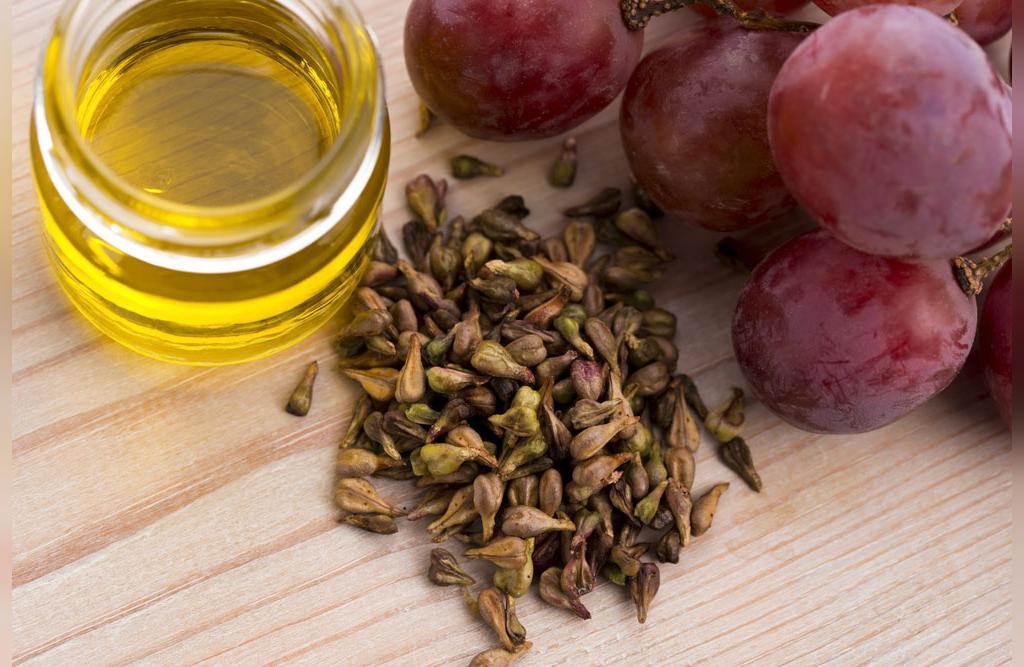 چگونه از روغن هسته انگور برای پوست تان استفاده نمایید