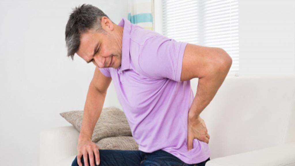 کیست مویی یا سینوس پیلونیدال چیست: علائم، عوامل، روش تشخیص و درمان های آن