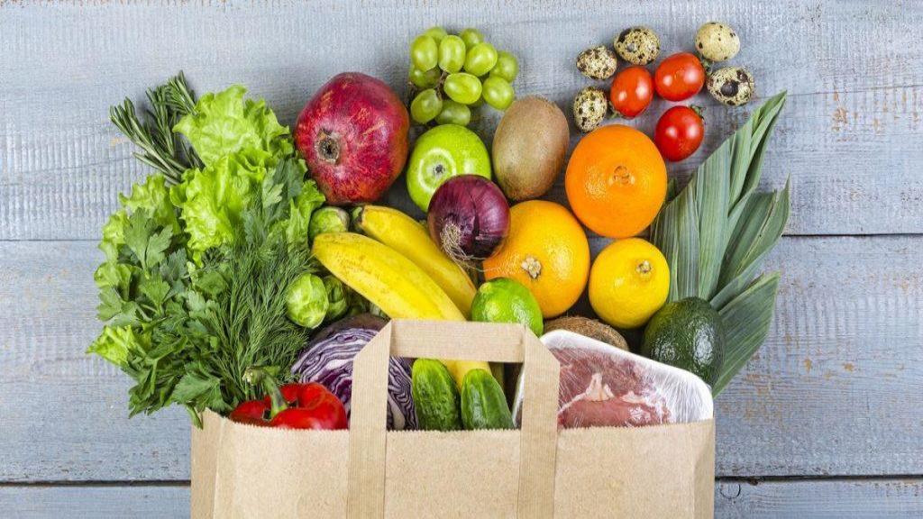 15 مورد از بهترین ویتامین های موردنیاز زنان + منابع غذایی آن