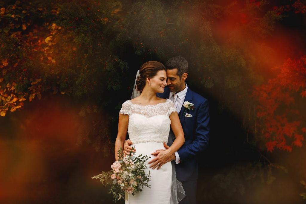 عکس هنری عروس و داماد خارجی در طبیعت
