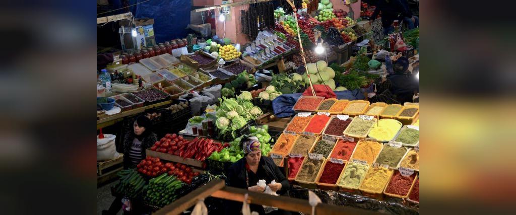 به بازار محلی باتومی بروید