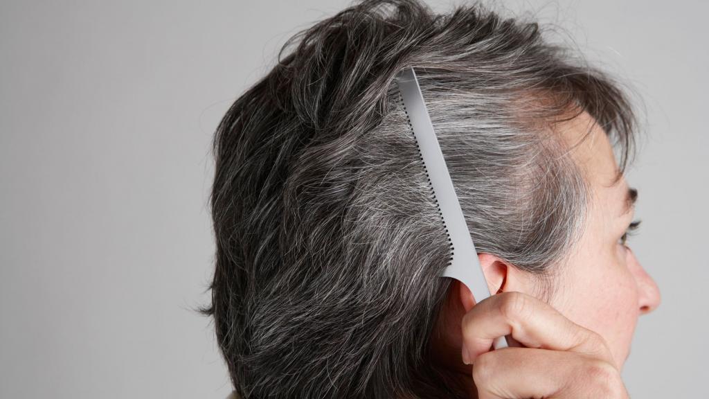 خاصیت عرق زنیان برای متوقف کردن روند خاکستری شدن مو