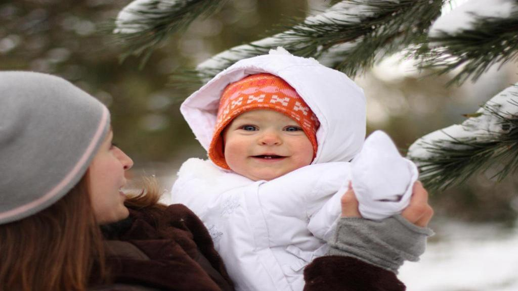 مراقبت از پوست نوزادان و کودکان نوپا در زمستان و هوای سرد