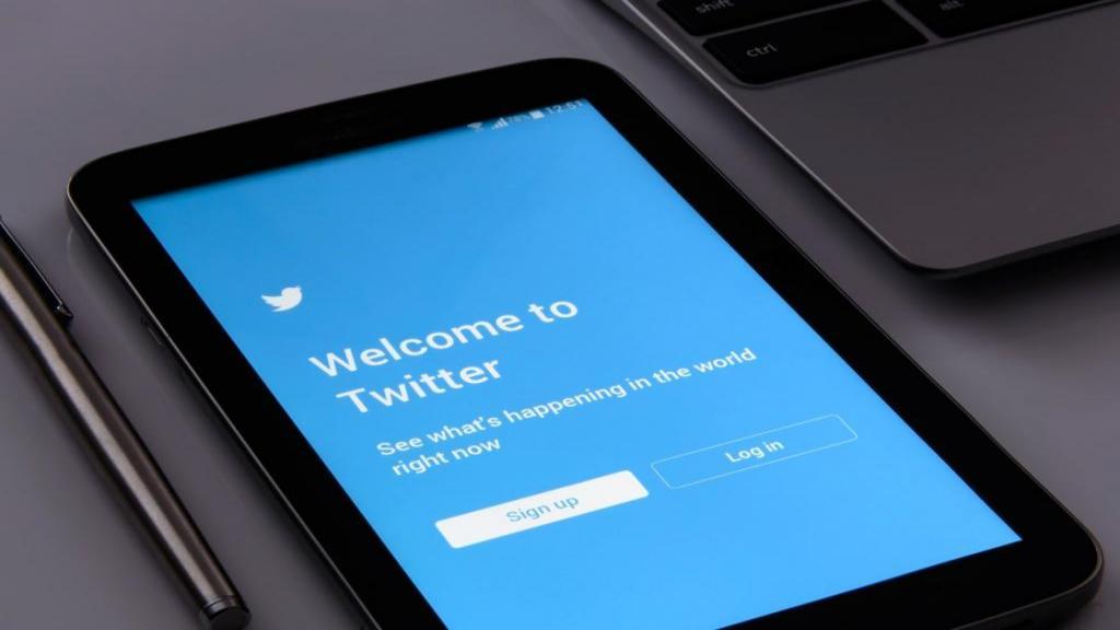 آموزش ورود به توییتر از طریق وب، ایمیل و موبایل