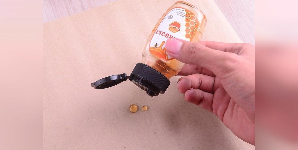 چگونه آبنبات چوبی عسلی درست کنیم